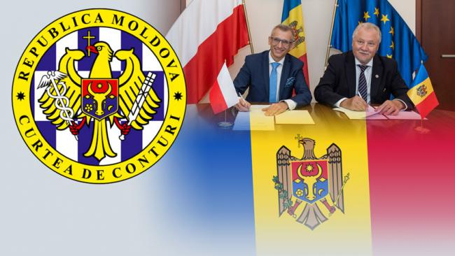 The flag of Moldova and the logo of the Court of Auditors of Moldova, the President of NIK Krzysztof Kwiatkowski and the President of the Court of Auditors of Moldova Veaceslav Until sign an agreement