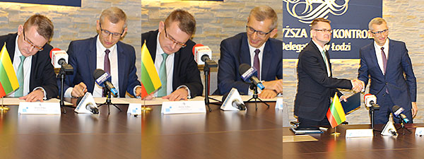 Heads of both SAIs signing a partnership and cooperation declaration